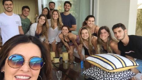 Fátima Bernardes se dá mal após ser 'desmascarada' por detalhe em foto