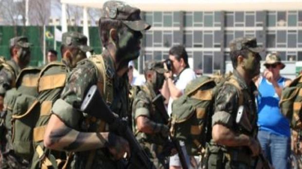 Deputado Federal pede intervenção militar