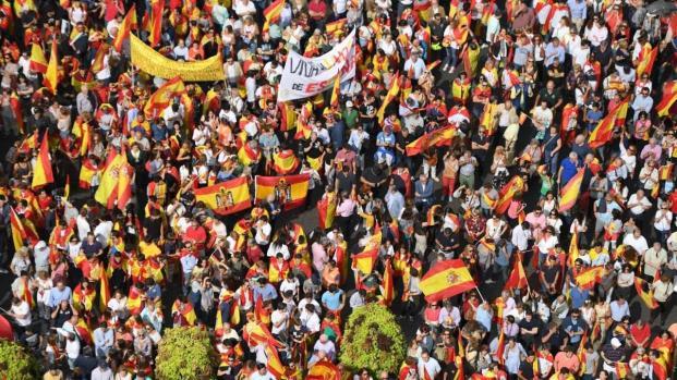 La macha pacifica de Barcelona que apoya a los Españoles y los Catalanes