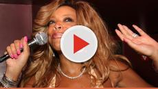 Assista: Vídeo: apresentadora tem mal súbito e 'cai dura' durante programa ao vi