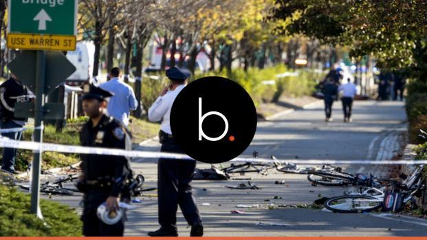 Video: Attentato a New york: veicolo piomba sulla pista ciclabile