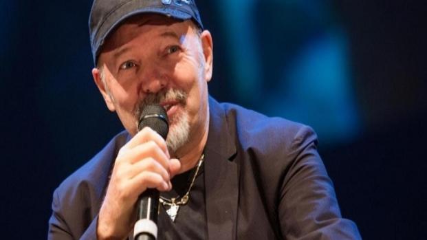 Musica italiana: Rapper si paragona a Vasco Rossi