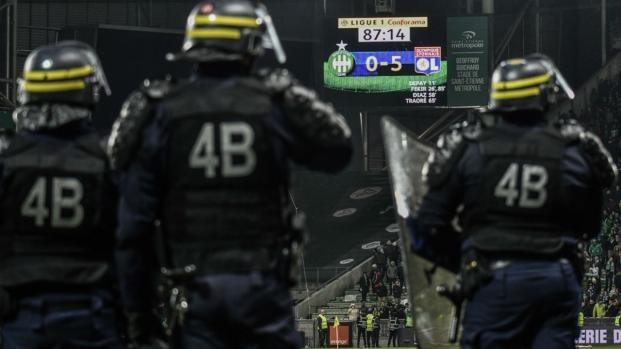 ASSE-OL : Le témoignage glaçant d'un stadier sur la violence du derby