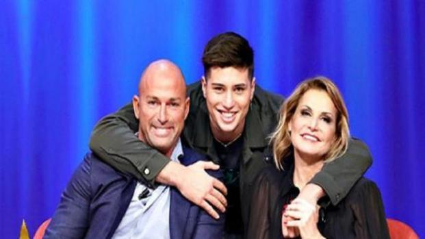 Stefano Bettarini all'Isola dei famosi assieme al figlio?
