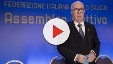 Carlo Tavecchio resta aggrappato alla poltrona di presidente della Figc