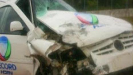 Carro da Record se envolve em acidente e gera pânico na emissora