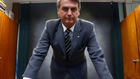 Entenda as razões que levam o extremista Jair Bolsonaro ser popular entre jovens