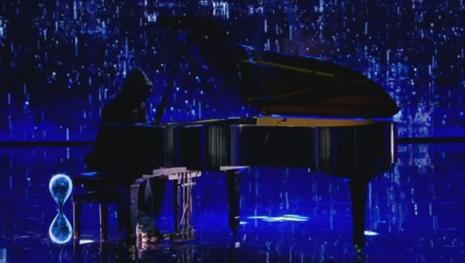 Tu sì que vales: ecco chi è il misterioso pianista che ha incantato il pubblico