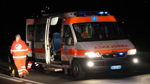 Un bimbo di soli 7 anni, è caduto accidentalmente in un braciere