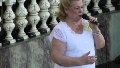 Vídeo - Morre cantora que se apresentava no programa do Raul Gil