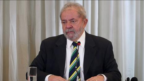 Lula diz que Bolsonaro tem direito de concorrer