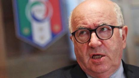 Carlo Tavecchio accusato di molestie sessuali