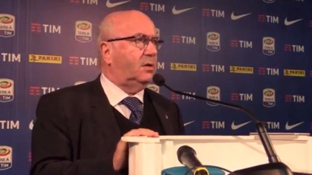 Dopo il disastro Mondiale, l'Italia del calcio gioca la partita più importante
