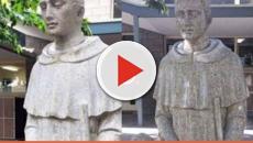 Assista: Escola católica cobre estátua de santo ao perceber 'design infeliz' da