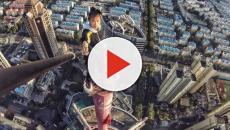 Vídeo: Blogueiro chinês participa de um desafio e cai de arranha céu