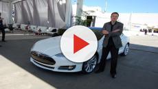 """SpaceX, Elon Musk vuole mandare """"un'auto rossa sul pianeta rosso"""""""