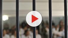 Vídeo: Vídeo mostra estupradores obrigados a fazer sexo entre si: 'Tá doendo'.