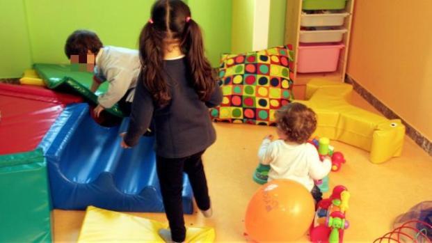 """Ferrara, """"Picchia i bambini a pugni"""". Maestra rischia il processo"""