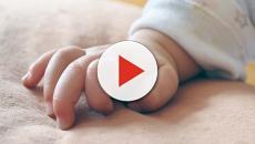 Decapitano neonato durante il parto