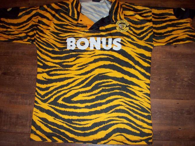 5 camisas inusitadas do futebol mundial 82abc272b117d