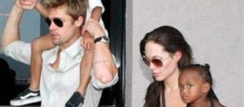Brad Pitt e Angelina Jolie con due dei loro figli