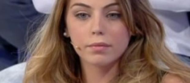 Alessia Cammarota lancia messaggi sibillini su FB
