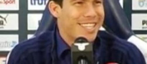 Hernanes nella sua prima conferenza stampa
