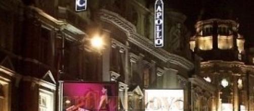 Il crollo del tetto al Teatro Apollo di Londra