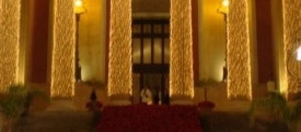 Il Teatro Massimo addobbato per Natale