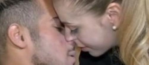 Uomini e Donne: Aldo e Alessia si baciano