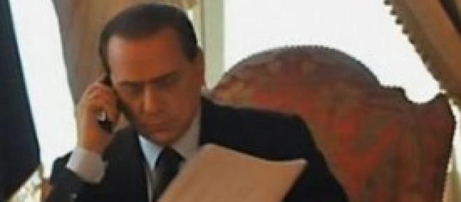 Silvio Berlusconi, intervista telefonica al Tg 5, alcune delle immagini mandate in onda <br />