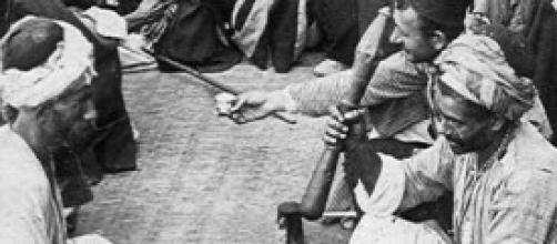"""Un """"bar"""" palestinese di un secolo fa"""