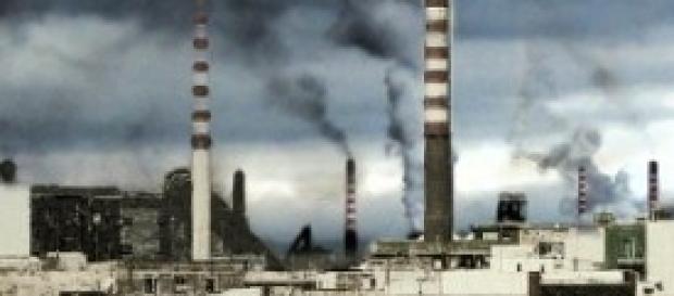 il panorama difronte l'ILVA di Taranto