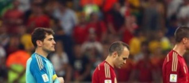 Con Cara de tontos tras la derrota ante Eslovaquia