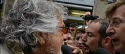 Beppe Grillo contestato nella sua Genova