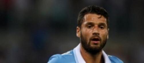 il centrocampista laziale Antonio Candreva