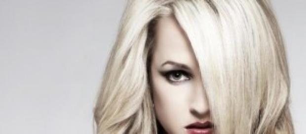 Taglio capelli lunghi scalati fai da te