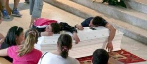 I funerali della piccola Fortuna Loffredo.