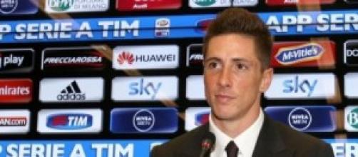 l'attaccante rossonero Fernando Torres