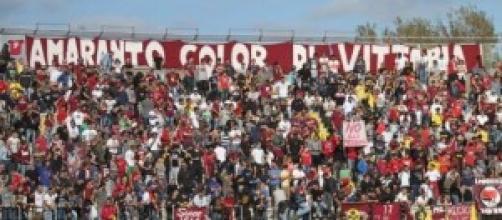Serie B Livorno-Crotone, venerdì 3 alle 20:30