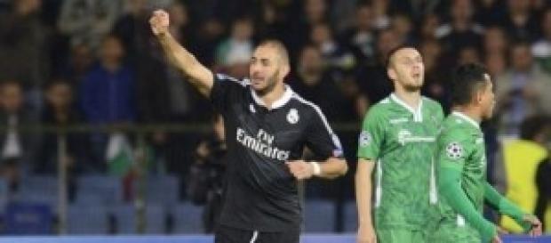 Benzema celebra su gol. Foto: La Vanguardia