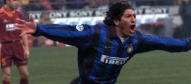 L'attaccante Ivan Zamorano