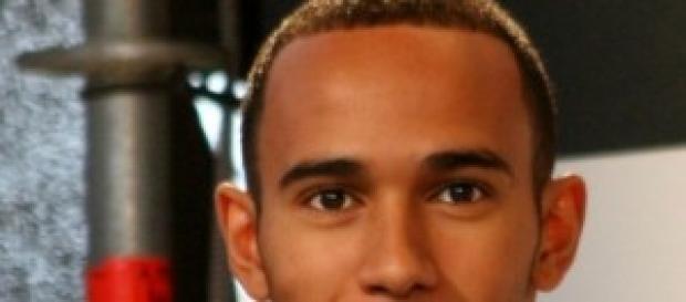 Lewis Hamilton, muy sonriente.
