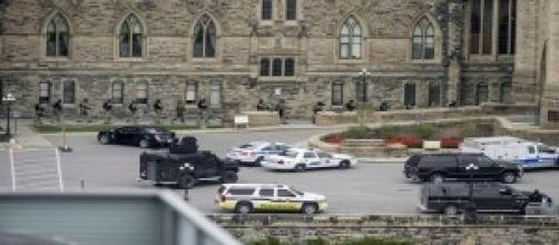 Ottawa vive horas de angustia, por los tiroteos