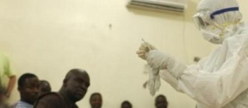 virus ebola: in quarantena due italiani