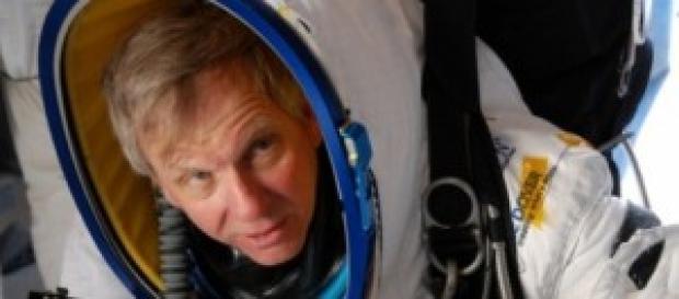 Ejecutivo de Google Alan Eustace prueba su traje