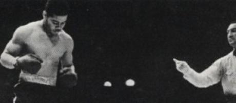 Joe Louis gets vs Max Schmeling: The Rematch