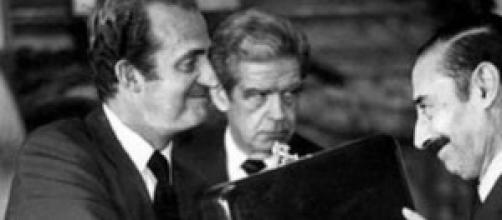El Rey Juan Carlos I y el dictador Videla