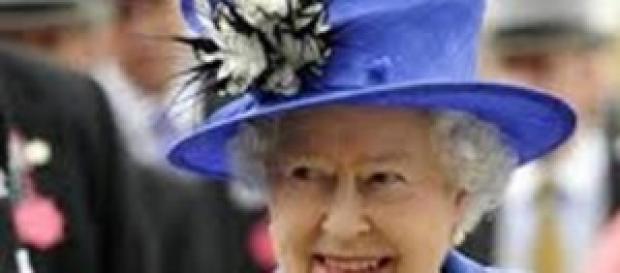 La Reina al pie del cañon