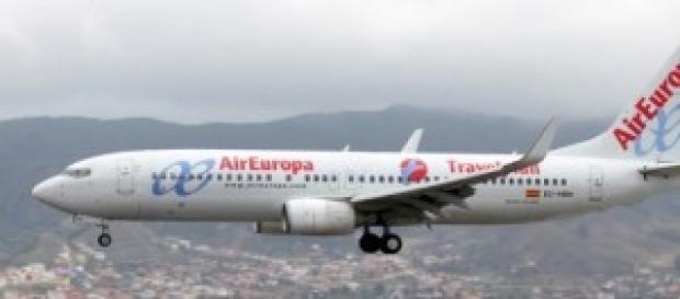 Un avión averiado viaja de Argentina a Madrid